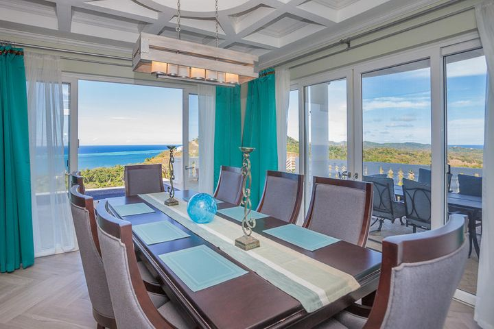 Stunning views of the Northshore from the dining area