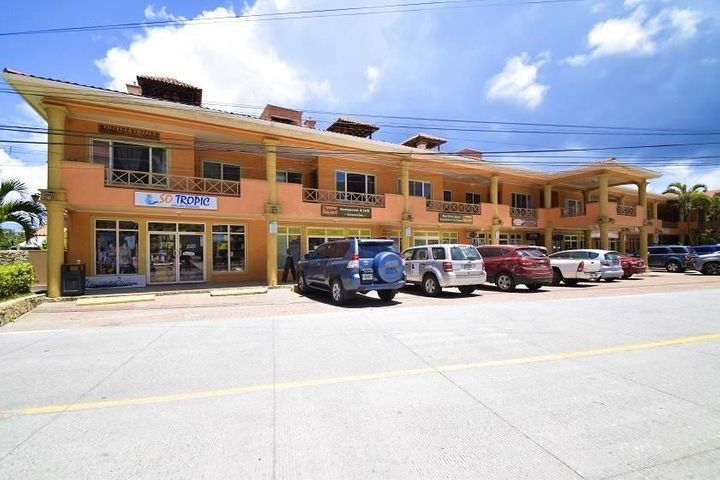 S. de R.L., West Bay, Retail Store So Tropic, Roatan,