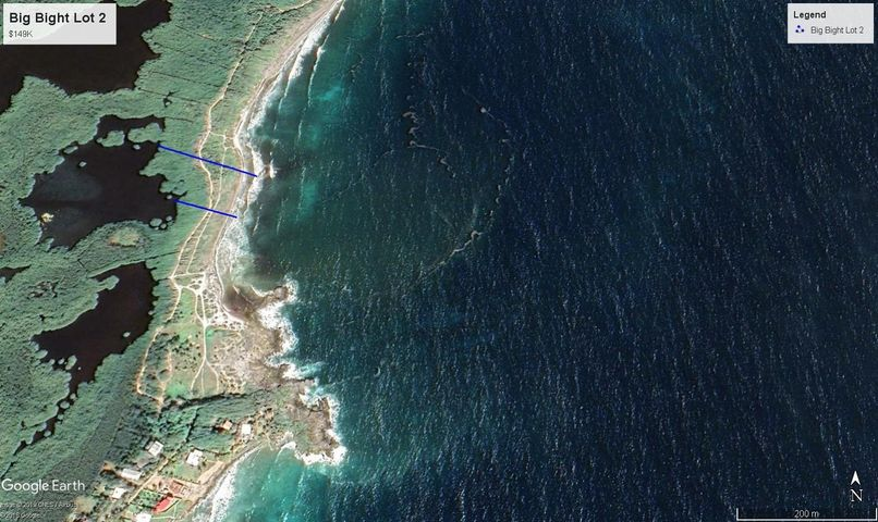 Bargain Lot on Edge of Town, 278 ft Oceanfront Big Bight, Utila,