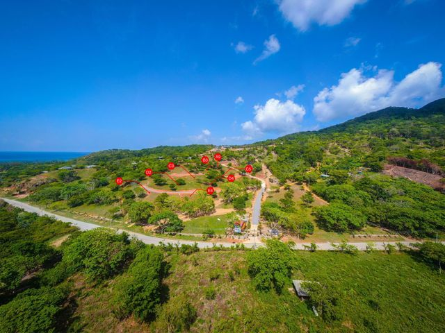 Access to Pristine Beaches, Homesite Benefits from Easy, Roatan,