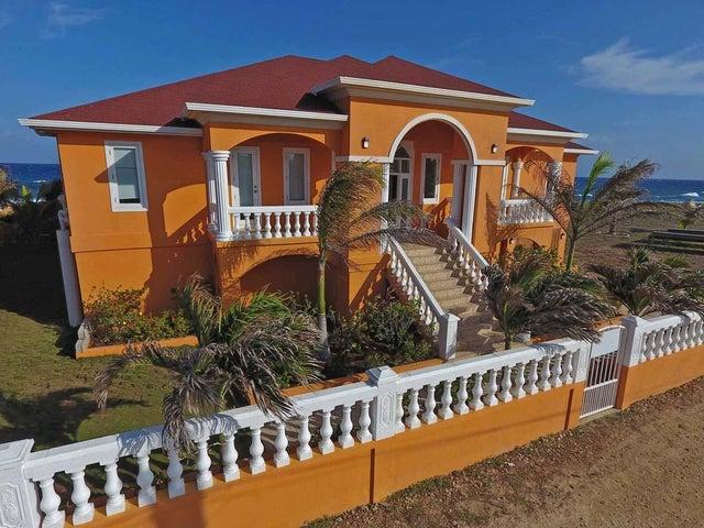 Pool, Beachfront, Double Lot, Move In Ready & Income Home, Utila,