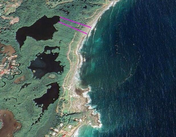 Space & Sunshine at Big Bight, 189 ft of Oceanfront Living!, Utila,