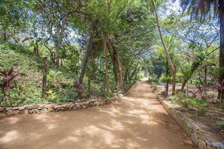 Entrance to Jardines de Catalina