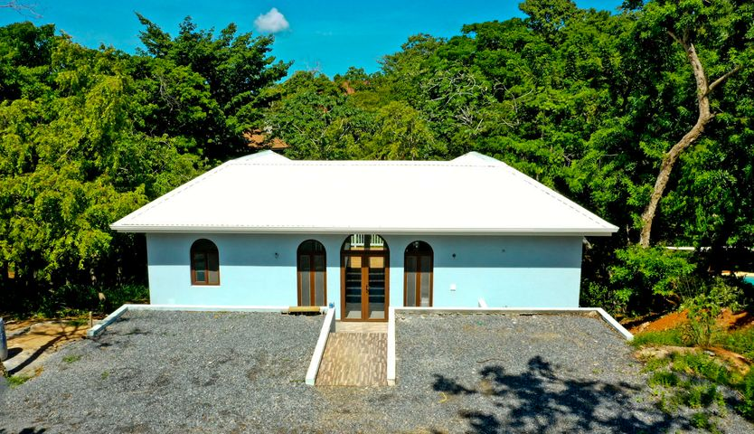 Separate 1Bedroom Guest House, Villa Morocco - 2 Bed/Bath, Roatan,
