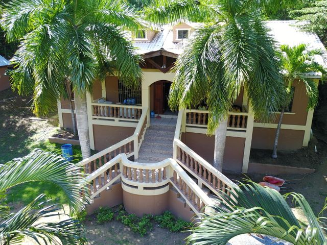 Mangrove Bight, 3 bed 3 bath island home, Roatan,