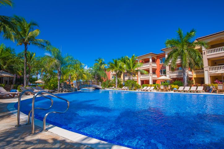 West Bay, IB Condo #705 Half share, Roatan,