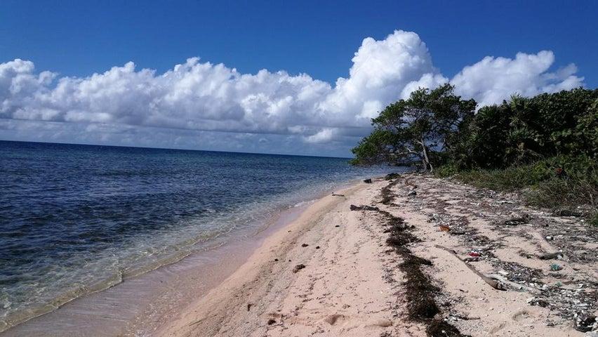 Rocky Point, St. Helene Island, 0.5 Acres, Beachfront, Roatan,