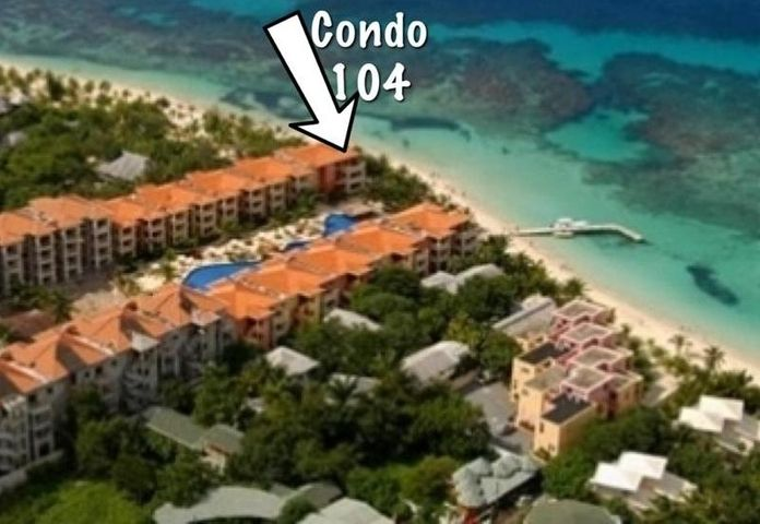 Beachfront Condo 104, Infinity Bay Resort, Roatan,