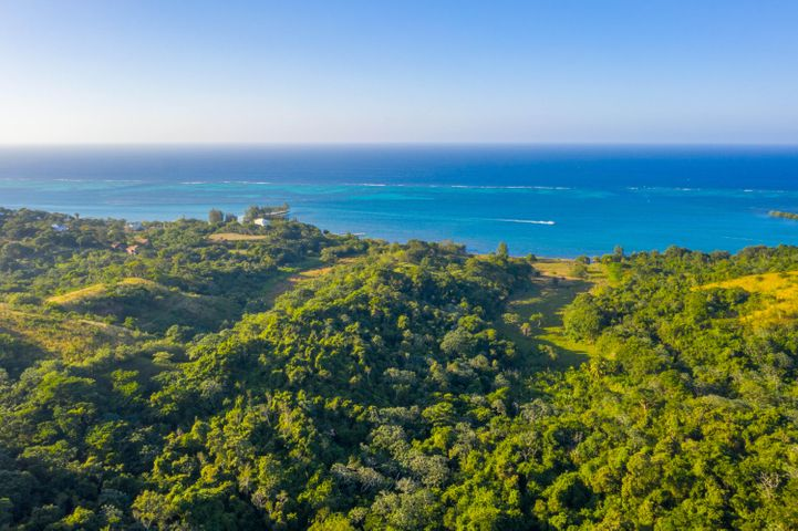 Ocean View Building Lot, Homesite with Panoramic Views, Roatan,