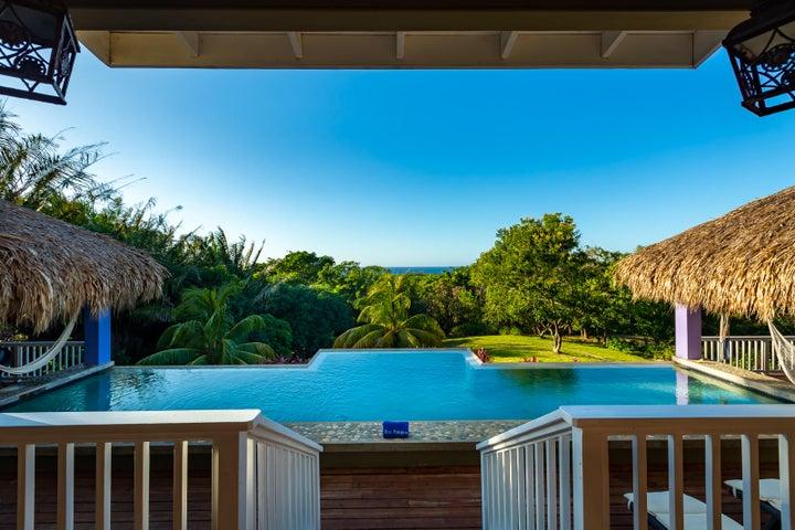 Dos Palapas Ocean View Home, Roatan,
