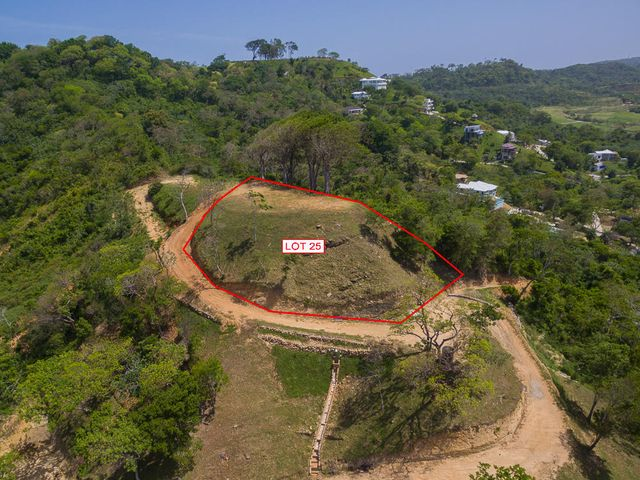 Aerial view of lot 25 and the approximate lot lines