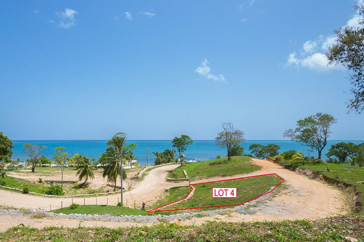 Pangea Beach Lot 4 offer ocean views