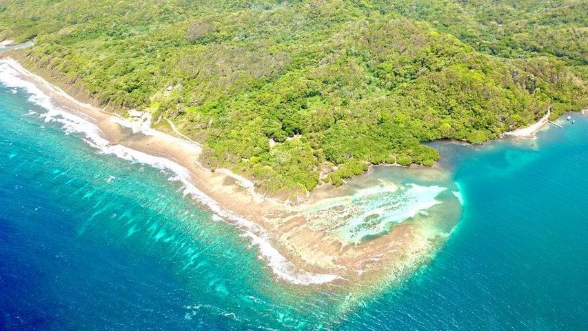 Caribe Point Shore 26.89 acres, Roatan,