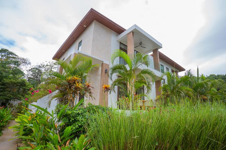 Welcome to the West Bay Golf and Villas -all pictures are from the model house - this listing is for a reconstruction ocean view villa 3B
