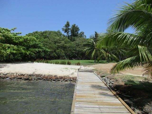Carib Bight (Bay), Mariposa Lot #30, Roatan,