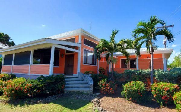 Cottage at Coral Beach Village, Utila,