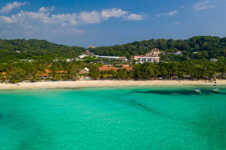 you go! Las Sirenas West Bay, Sand in your toes, where ever, Roatan,