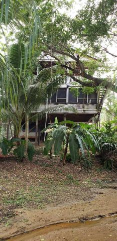 Sandy Bay, 5 Bedroom/3 Bathroom Home, Roatan,