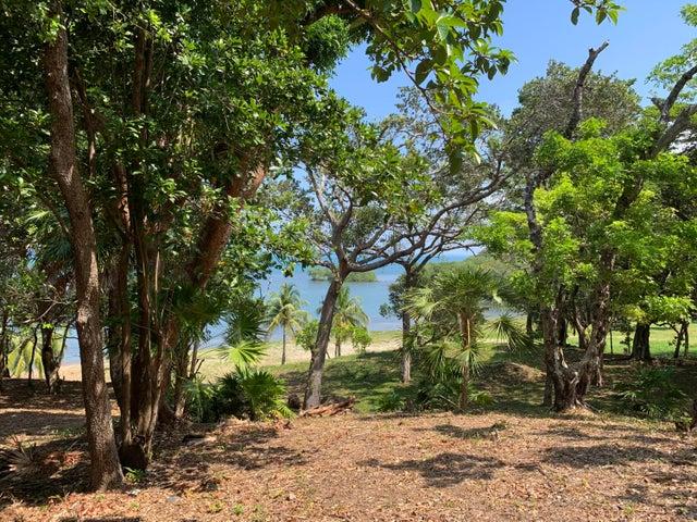 Gumbolimbo Shores Beach Lot, Roatan,