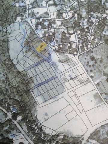 Coxen Hole, Lot #46 near Plaza Mar, Roatan,