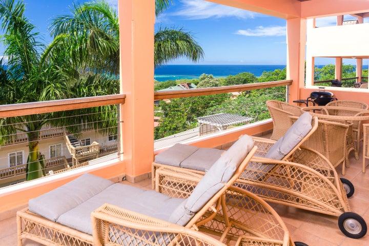 Spacious ocean view deck