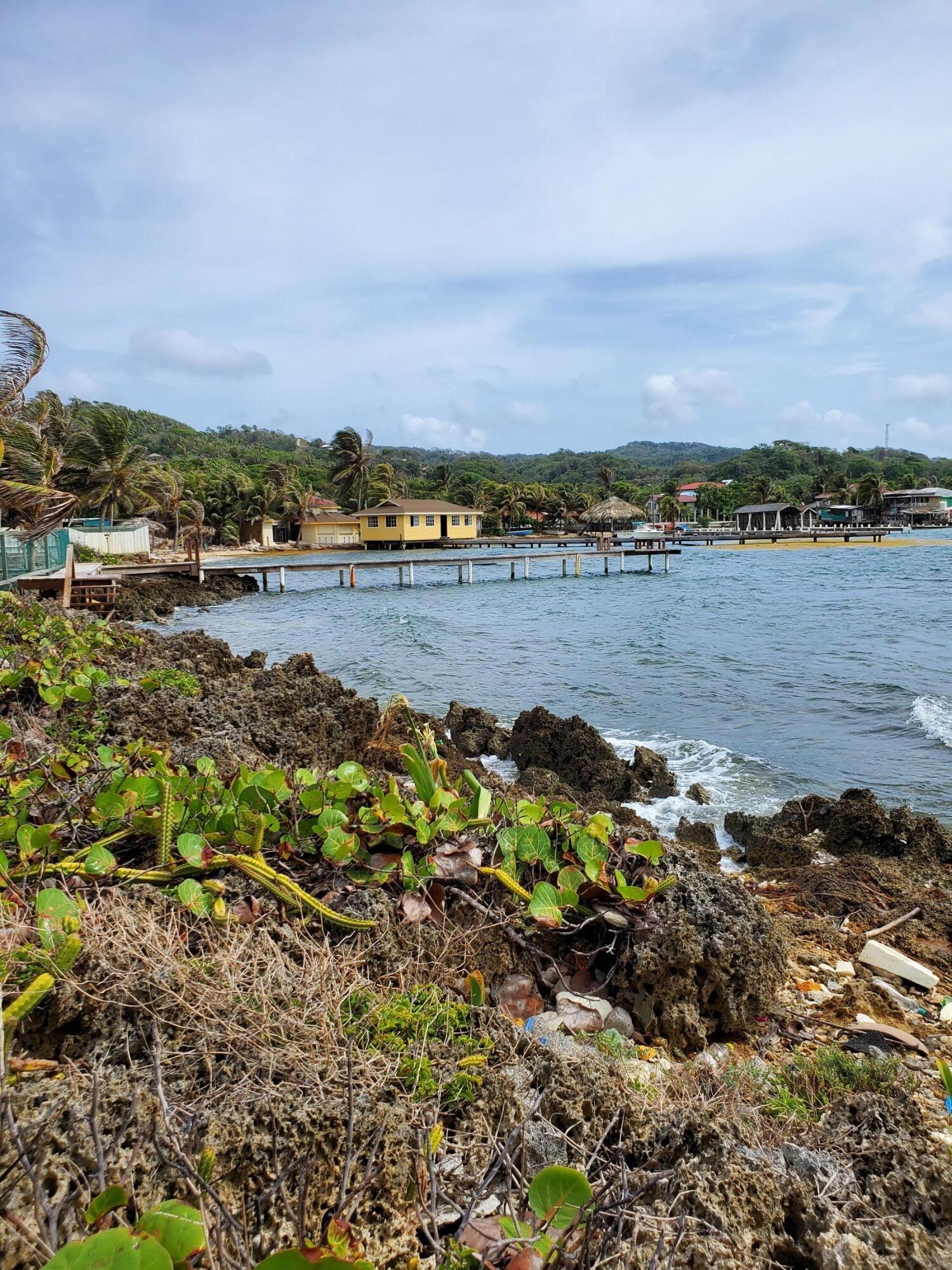 Flowers Bay, 0.11 acre waterfront, Roatan,