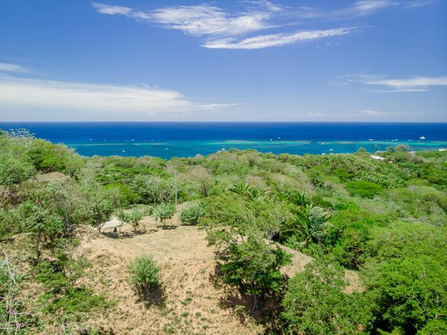 West End & West Bay, 1 Acre located between, Roatan,