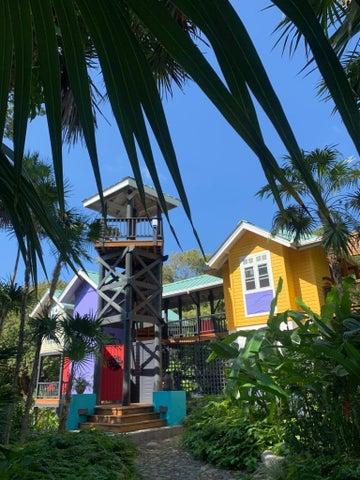 Tree Tops House, Roatan,