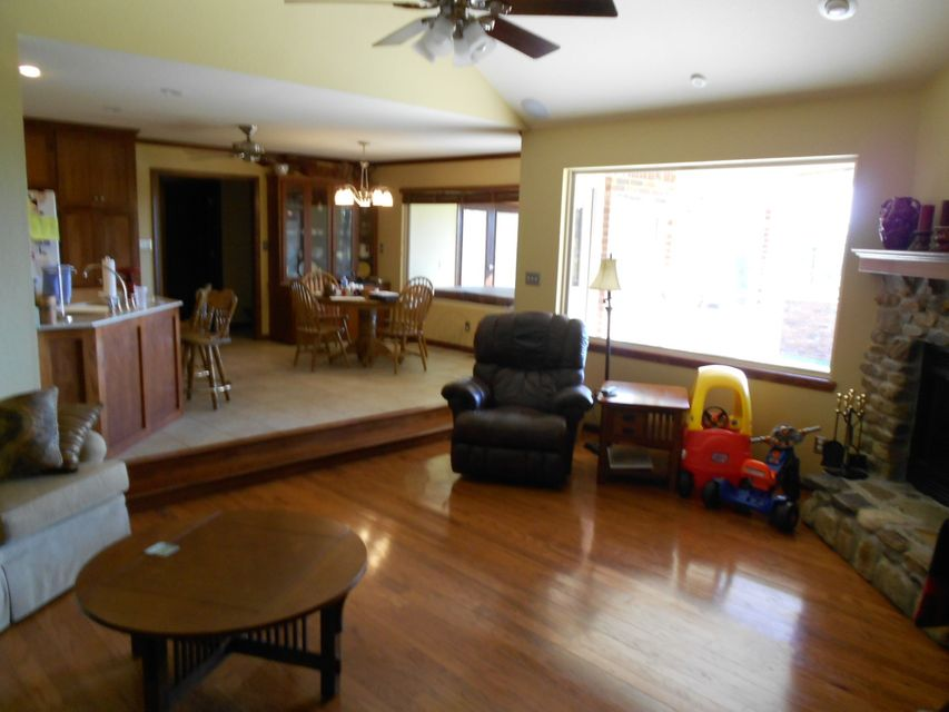 Main photo 5 of sold home at 420  Parliment , London, AR 72847