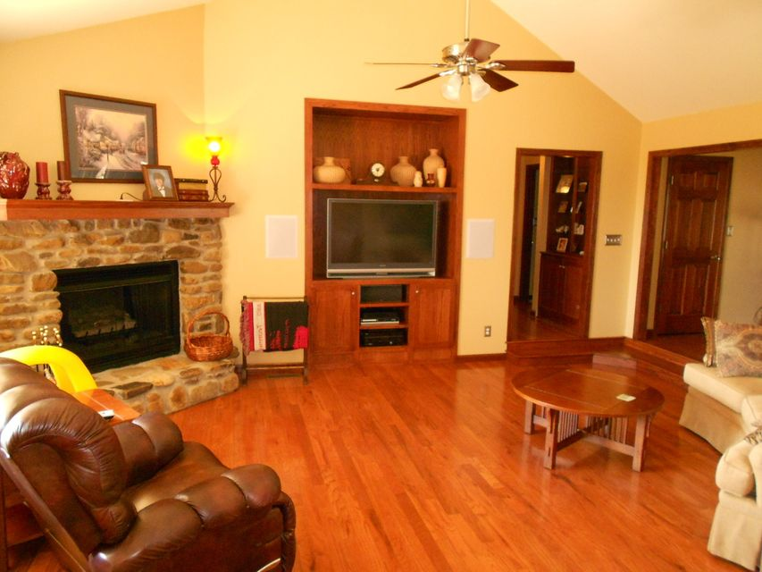 Main photo 7 of sold home at 420  Parliment , London, AR 72847