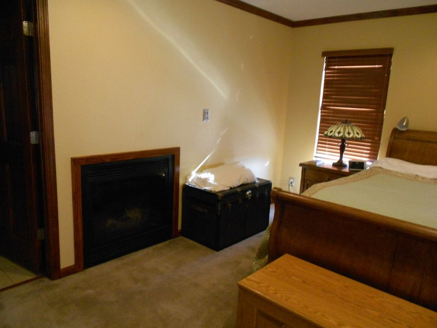 Main photo 9 of sold home at 420  Parliment , London, AR 72847