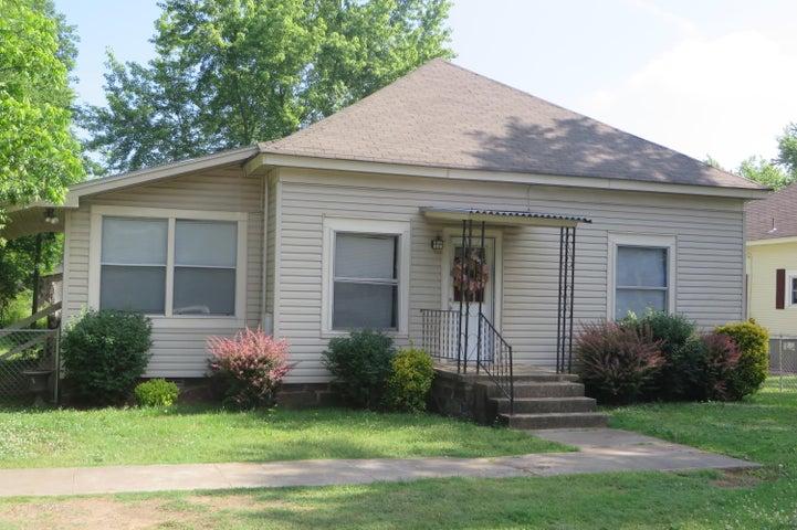 415 E 5th Street, Russellville, AR 72801