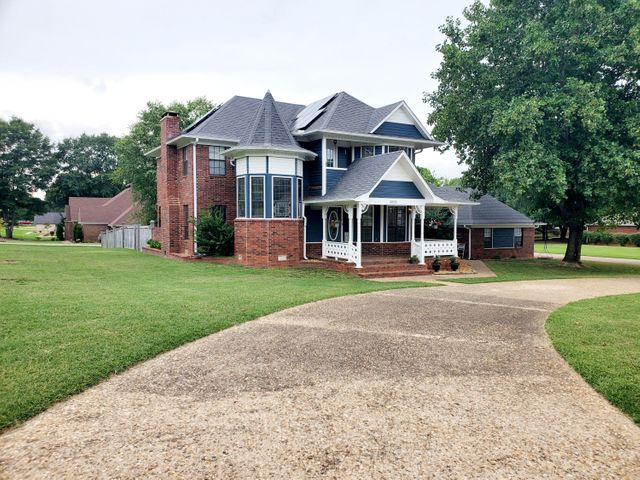 3005 Willow Run Drive, Conway, AR 72032