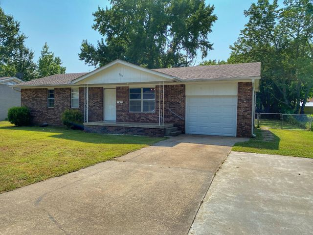 900 Olive Drive, Clarksville, AR 72830