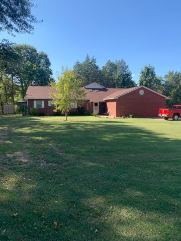 815 N Ray Road, Clarksville, AR 72830