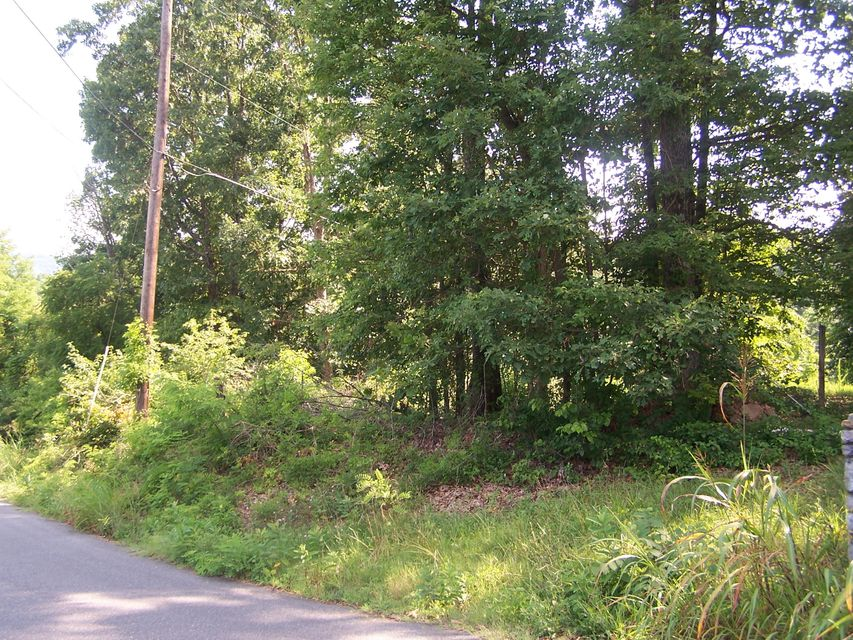 Photo of 3025 Ivyland RD Roanoke VA 24014