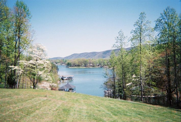 LOT 474 SOUTHWOOD DR, Penhook, VA 24137