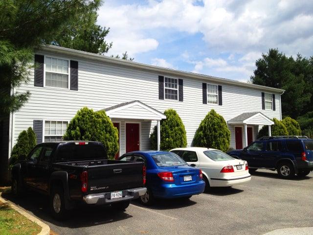 5681 Hollins RD, 5681 & 5687, Roanoke, VA 24019