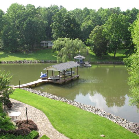 Enjoy the quiet privacy of this cove setting