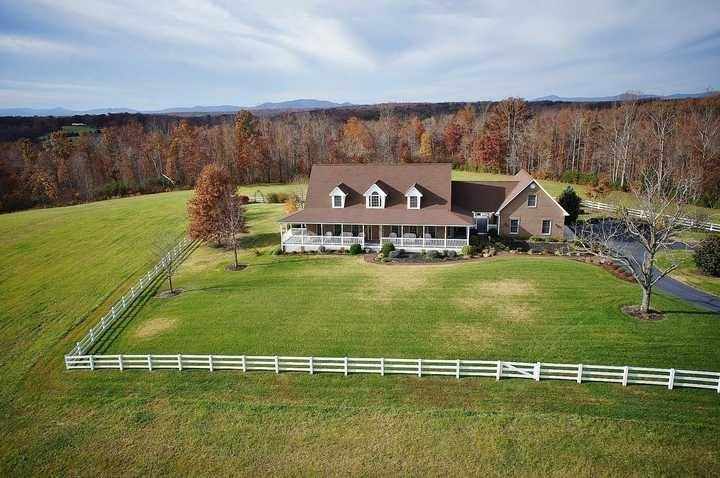 9735 Brooks Mill RD, Wirtz, VA 24184