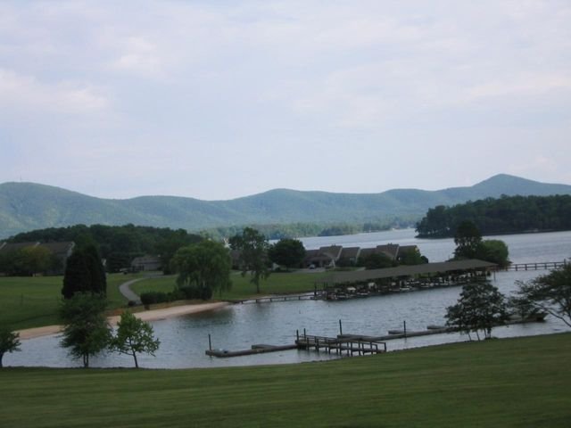 Exceptional View of Smith Mtn,lake & beach