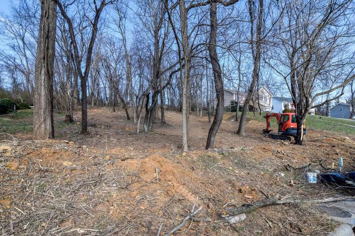2348 Locust Grove CIR NE, Roanoke, VA 24012
