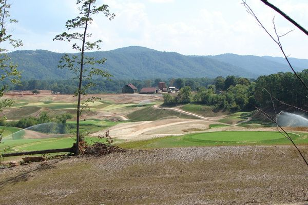 These are actual pictures taken right from this gorgeous piece of solitude. A golfer's paradise.