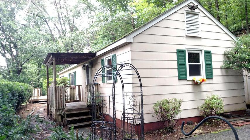 3836 CRAVENS CREEK RD SW, Roanoke, VA 24018