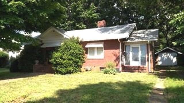 2512 OAKLAND BLVD, Roanoke, VA 24012