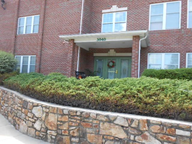 3040 McVitty Forest DR, 104, Roanoke, VA 24018