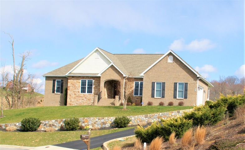49 Fairway CT, Daleville, VA 24083