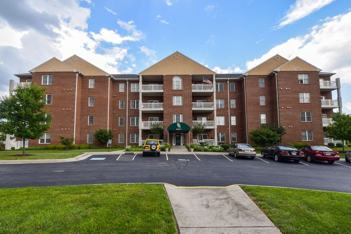 4444 Pheasant Ridge RD, 304, Roanoke, VA 24014