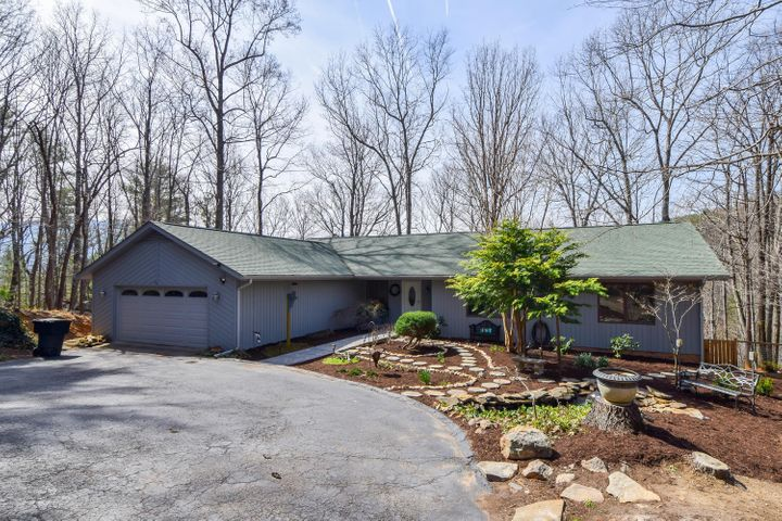 6231 Laurel Hill RD, Roanoke, VA 24018