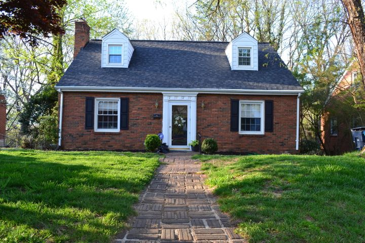 2927 Oak Crest AVE SW, Roanoke, VA 24015